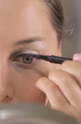 Tips para sellar un delineado cat eye