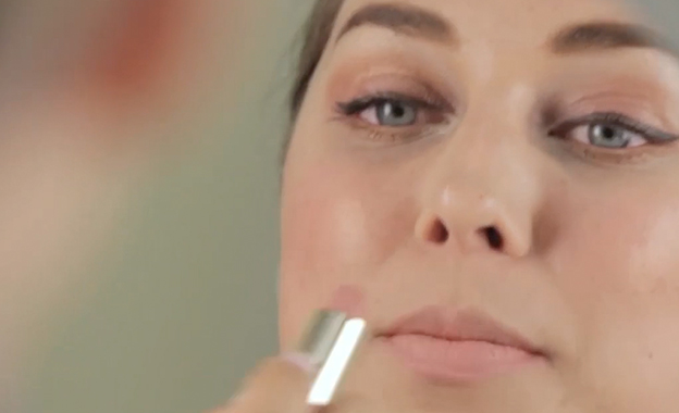 Tips para maquillaje labios con acabado gloss