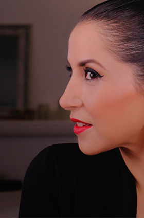 Maquillaje labios rojo clásico para Navidad