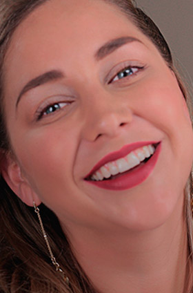 Labios rojos efecto terciopelo para Año nuevo