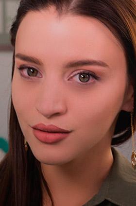 Maquillaje de ojos rosa para San Valentín