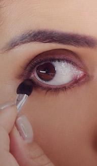 ¿Cómo usar un delineador como sombras de ojos?